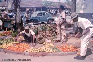 Fruit seller in Zanzibar market, July 5, 1964.